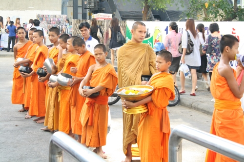 M.I.T. (Monks-in-Training), Bangkok